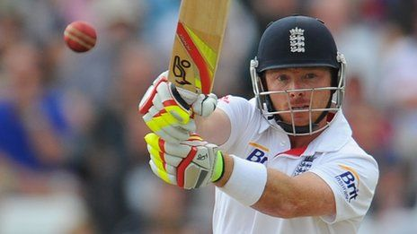 Ian Bell's century gives  England edge in fourth  test