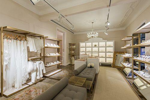 Reforma Showroom Egovolo | Standal #reforma #integral #reformas #tiendas #showroom #interiorismo #decoración #novias #complementos #barcelona #retail