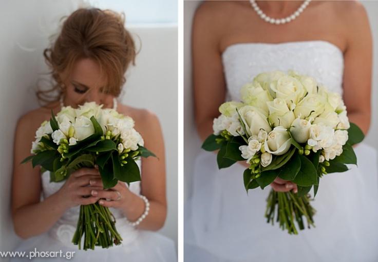 Beautiful flowers!  www.photographergreece.com  #wedding #wedding photography #santorini #photos #flowers