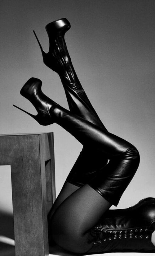tits-babepussy-sexy-black-leather-high-heel-shoes