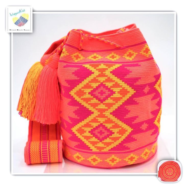 15 отметок «Нравится», 1 комментариев — Wayuu Bags &Bikini etc. (@wayuukiss) в Instagram: «Wayuu bag one strand รุ่น ชนกลุ่มดั้งเดิมที่มี skill สูง ราคา 4900 -/ •ฐาน 9นิ้ว สูง 10.5นิ้ว…»