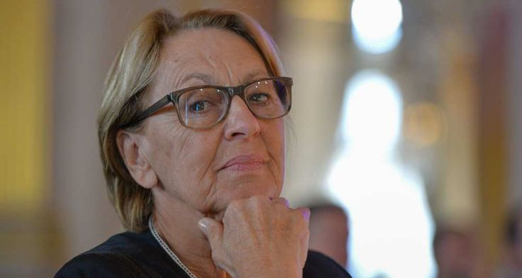 Marylise Lebranchu, ministre de la Décentralisation et de la Fonction publique, rencontre les syndicats mardi matin