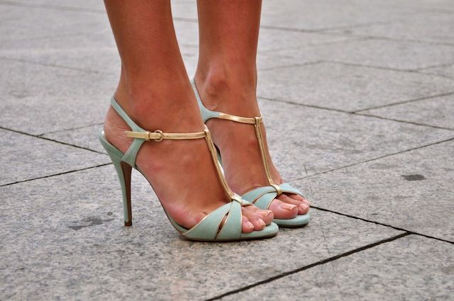 Light mint heels. Latest shoes trends 2016.: