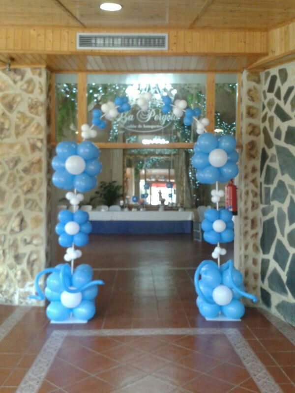 2151 best balloon arches canopies images on pinterest for Decoracion globos valencia