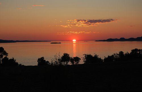 Midnight sun - Leirfjord - Norway