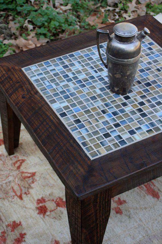 Pequeña mesa de centro de mosaicos por natureinspiredcrafts en Etsy