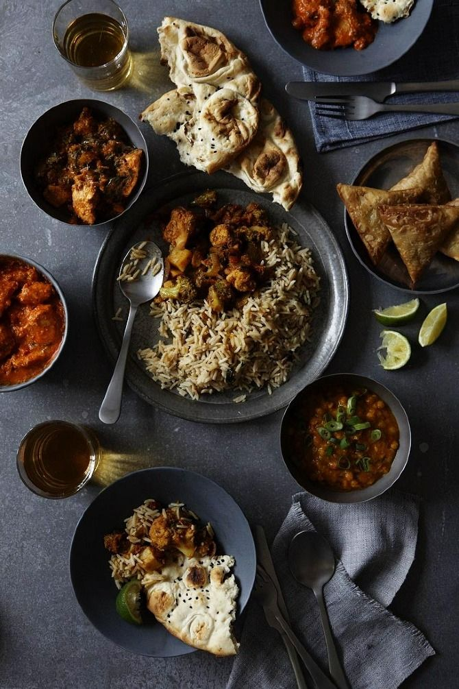 Indian Thali (Plates) | Yuki Sugiura/I'm a vegetarian so I like all of it except for the meat