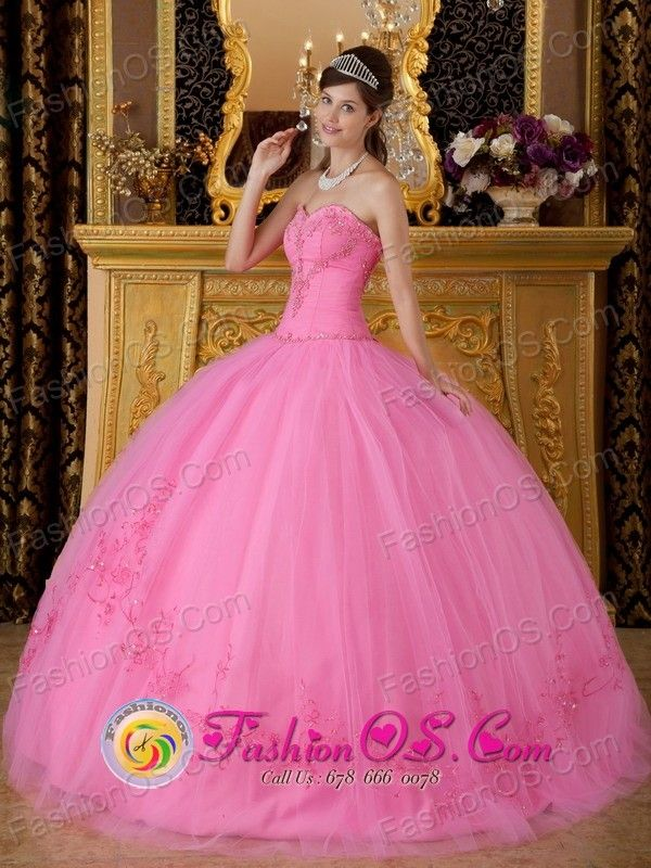 Rose Pink  Sweetheart Floor-length Tulle  Quinceanera Dress For 2013 Appliques Decorate in El Alto Bolivia Style QDZY185FOR
