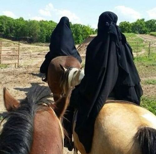 pony single muslim girls Why do muslim men like to marry young girls between the because they like playing with my little pony that doesnt apply to every single muslim.