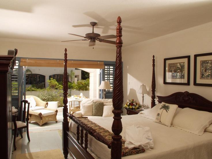 Savannah Beach Resort, Barbados  http://www.ttg.co.uk/hotels/savannah-beach-resort-hotel-barbados