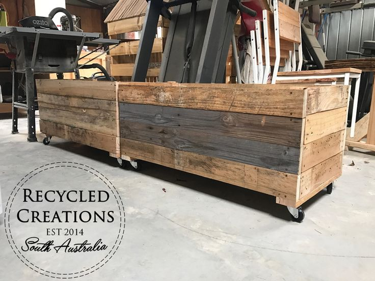 Pallet planter box on wheels