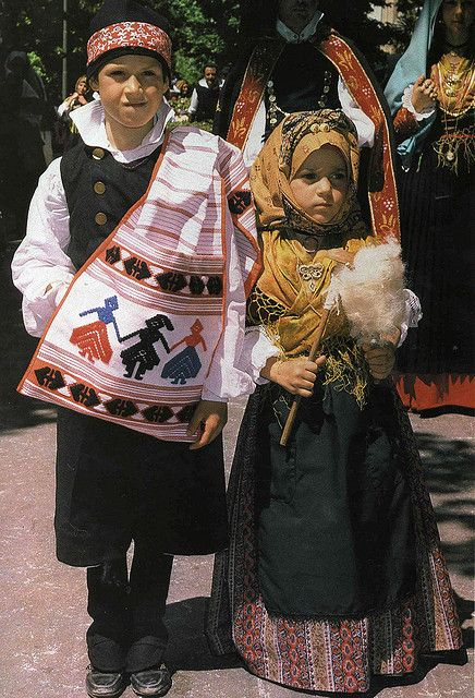 bambini in costume di sant'antioco | Flickr - Photo Sharing!