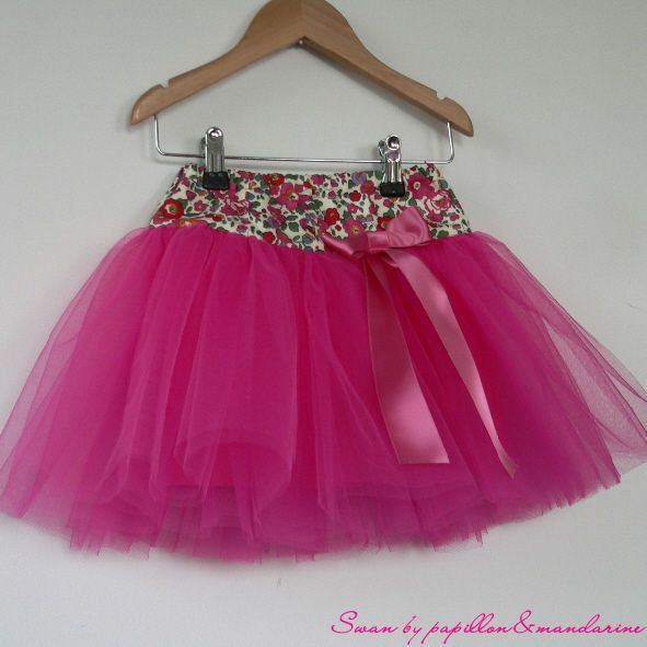 Jolie jupe de princesse (Jupe Swan)  Tuto testé et approuvé ;o)     https://www.facebook.com/photo.php?fbid=314726525306382=a.144485692330467.25600.144481538997549=3                                                                                                                                                                                 Plus