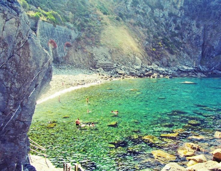 Riomaggiore pebble beach, Italy
