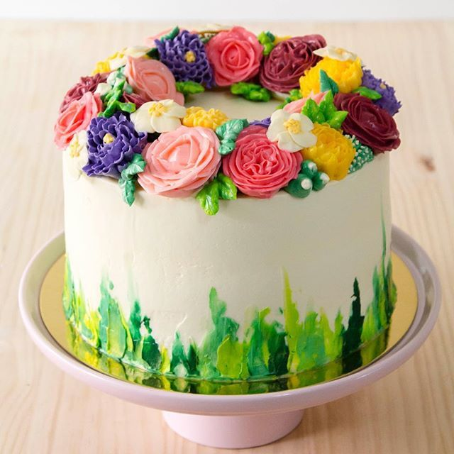 Las flores más deliciosas! 🍃💜🌺 #reposteria  #bodasmedellin #bodarustica #flores #tortasmedellin #weddingcake #cake #bakery #pastry #nature #outside #weddings #vintage #rusticwedding #cake #art #arte #reposteriamedellin #classicwedding #flowers #bride #nature #green #decor #weddingplanner #matrimoniosmedellin #buttercreamflowers #swissbuttercream #edibleflowers #buttercream #sweet #merengue #bodasmedellin