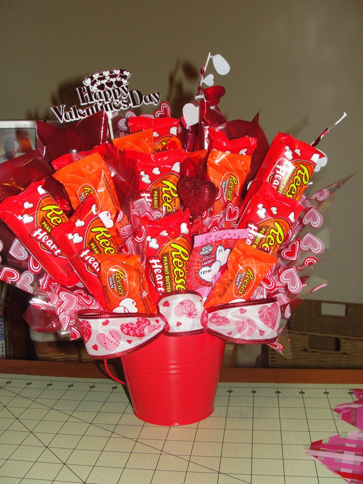 17 images about candy bouquet ideas on pinterest candy for Valentine candy crafts ideas