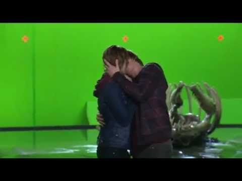 different angle of the ron/hermione kiss. go ahead and ask me how much i love 1:09-1:19. (its a lot) that rupert grint knows what he's doing.