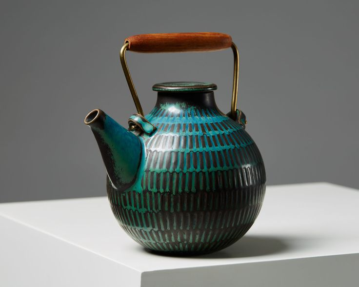 Height including handle: 17 cm/ 6 3/4'' -- Teapot designed by Stig Lindberg for Gustavsberg, Sweden. 1950's.