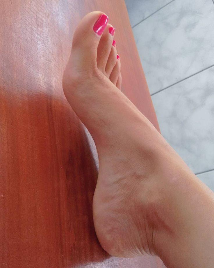 😏#pezinhos#feet#sexy#love#gyn #arch#dj#model#news#cute#foot#it #unhas#videos#neymar#usa#fetish#foot #soles#nails#gays#black#style#blog#trip #wine#rock#rj#sertanejo #soles#art#design
