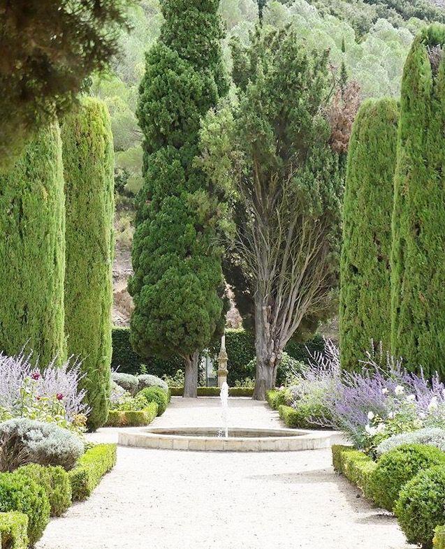 Jardin de l'abbaye de Fontfroide.