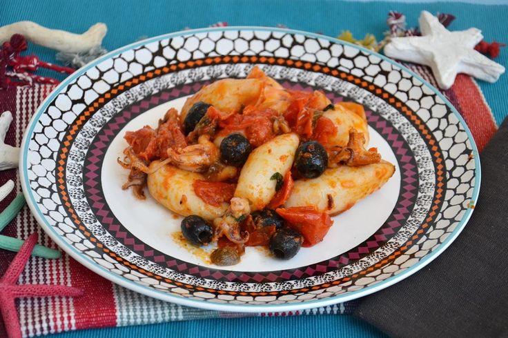 Calamari con pomodorini e olive, scopri la ricetta: http://www.misya.info/ricetta/calamari-con-pomodorini-e-olive.htm