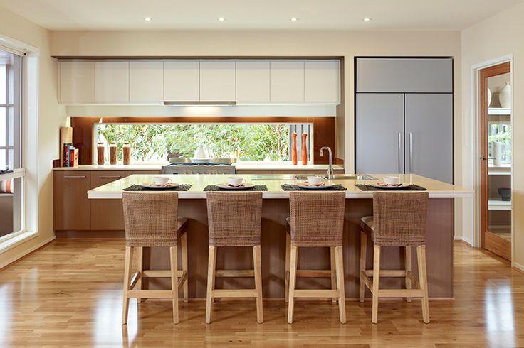 Kitchen with grand island and big window splashback !