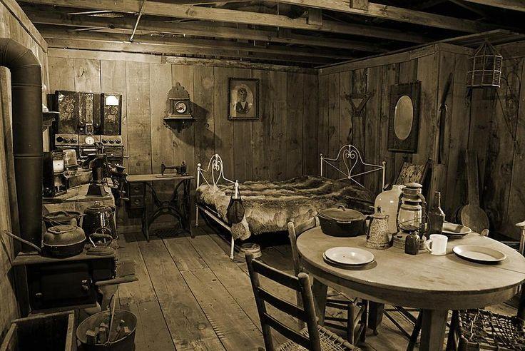 Early Settler on Pioneer Cabin Plans