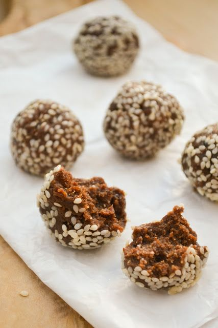 Raw energy balls are made from flax seeds, almonds, dates, baobab powder, cinnamon and cacao. A powerhouse of nutrients and very, very tasty with a flavour of sticky toffee pudding.