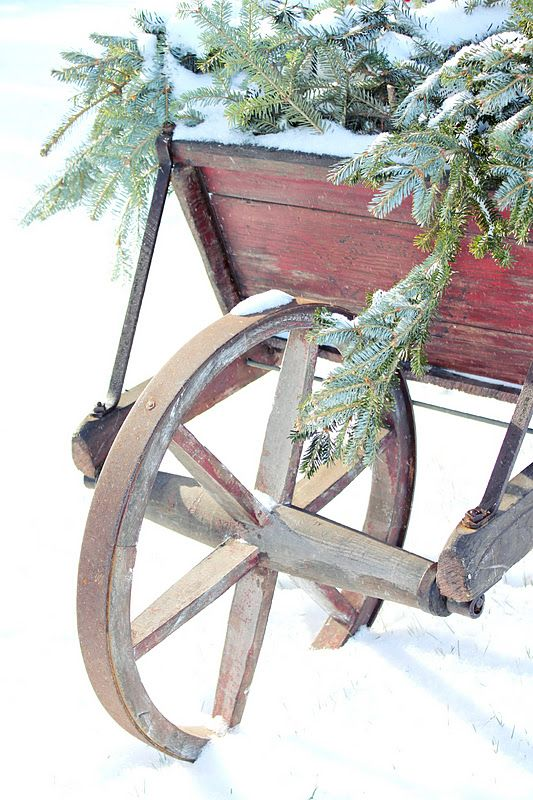 love using old wheel barrels or old wagons to decorate with.
