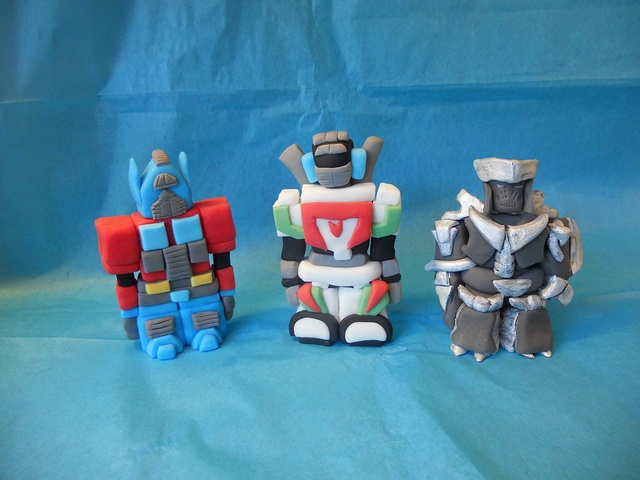 Transformers Cake Decorations Uk : 1000+ images about cake toppers on Pinterest Baby shower ...