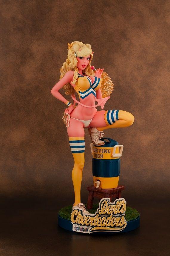 Rockin' Jelly Bean x WING - Devil`s Cheerleaders | Clutter Magazine