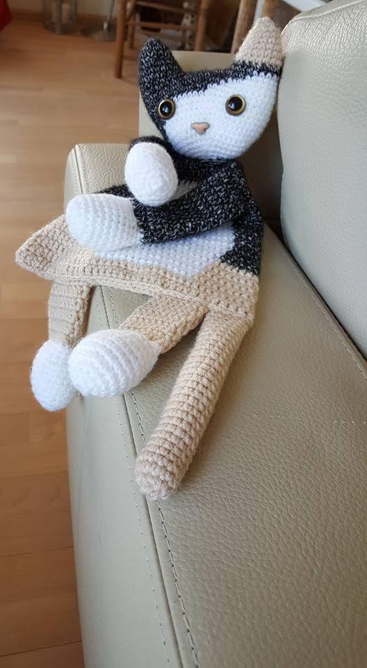 """Lappenpop uit het boek """"Gehaakte lappenpoppen"""" a la Sascha. Gemaakt door Elly…"""