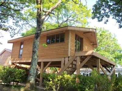 les 45 meilleures images du tableau cabane bois dans un arbre sur pinterest cabane bois. Black Bedroom Furniture Sets. Home Design Ideas