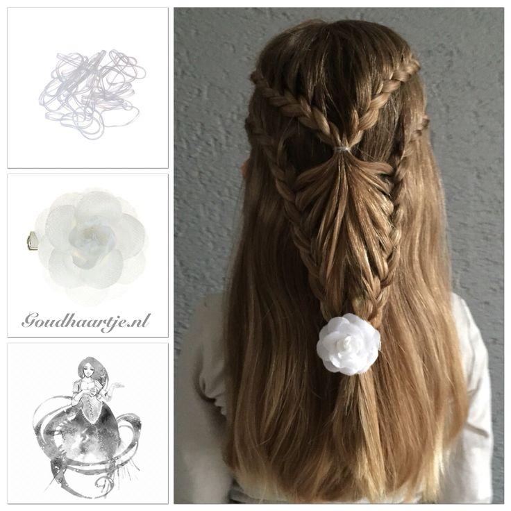 Prachtige vlecht met mooie roos haarbloem en kleine transparante haarelastiekjes van Goudhaartje.nl #vlecht #haarstijl #haarbloem #haaraccessoires #haarelastiekjes #braid #hairstyle #hairflower #goudhaartje