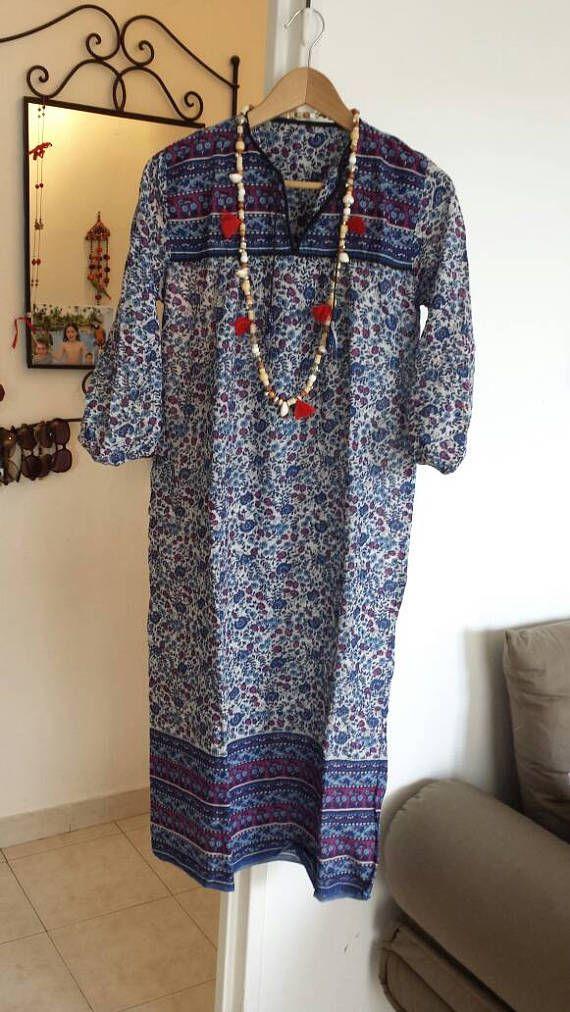 Retrouvez cet article dans ma boutique Etsy https://www.etsy.com/fr/listing/526525927/robe-vintage-annee-70-tout-gaze-de-coton
