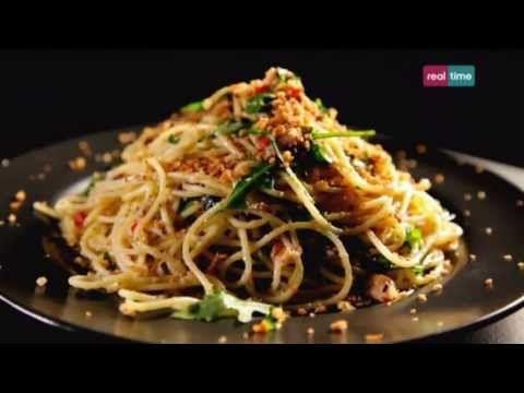 Cucina con Ramsay # 84: Spaghetti con peperoncino, sardine e origano - YouTube