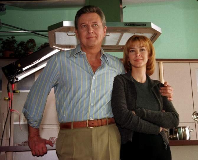 Carlos junto a su hija Amparo Larrañaga durante el rodaje de un spot publicitario en 1998.