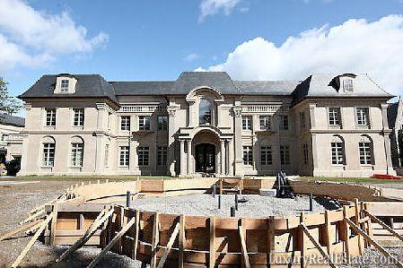 Canada mega mansions palatial bridle path mega mansion for Mega homes for sale