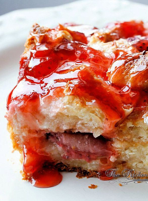 Berry Croissant Cheesecake Breakfast Bake Recipe ~ Now if you don't like strawberries you could use pretty much any berry