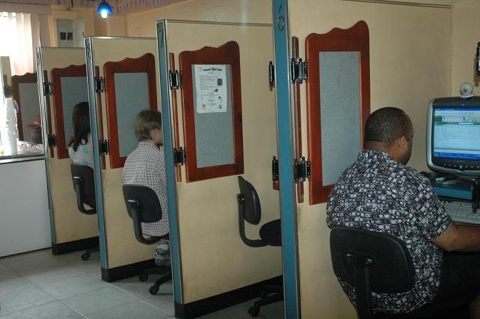 Nuestra columna T&T de hoy Diario Libre: INDOTEL dice la verdad sobre la brecha digital en R.D http://www.audienciaelectronica.net/2014/02/20/indotel-dice-la-verdad-sobre-la-brecha-digital-en-republica-dominicana/
