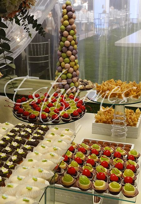 Chocolatería con uvas y cherries