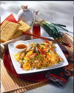 Unser beliebtes Rezept für Asia Nudeln mit Gemüse und Hähnchenfilet und mehr als 55.000 weitere kostenlose Rezepte auf LECKER.de.