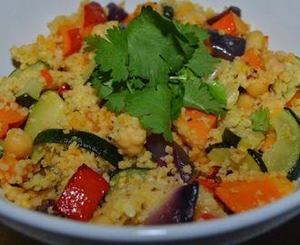 Kuskusový salát s pečenou zeleninou a cizrnou