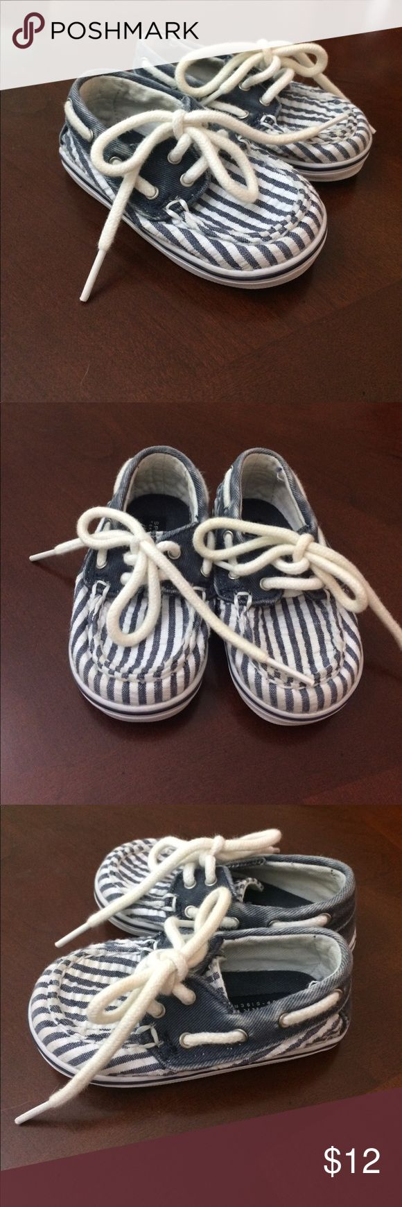 Sperry Top-Sider Bahama Crib Boat Shoes These adorable Sperry's are in almost-new condition. The only visible wear is grime on the sole. Sperry Top-Sider Shoes Baby & Walker