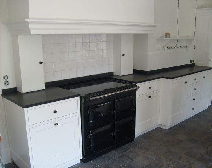 70 beste afbeeldingen over woonkeuken op pinterest zwarte keukens valken en houtafval - Witte keuken tegels en zwarte ...
