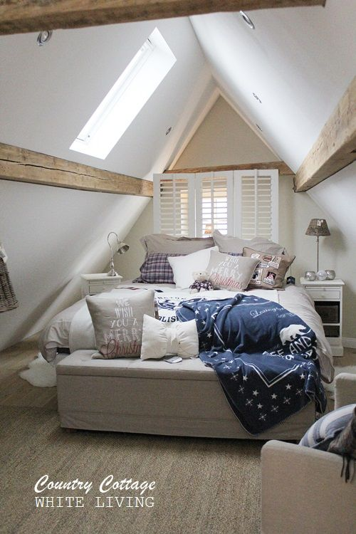 Best 25 country bedrooms ideas on pinterest for Eaves bedroom ideas