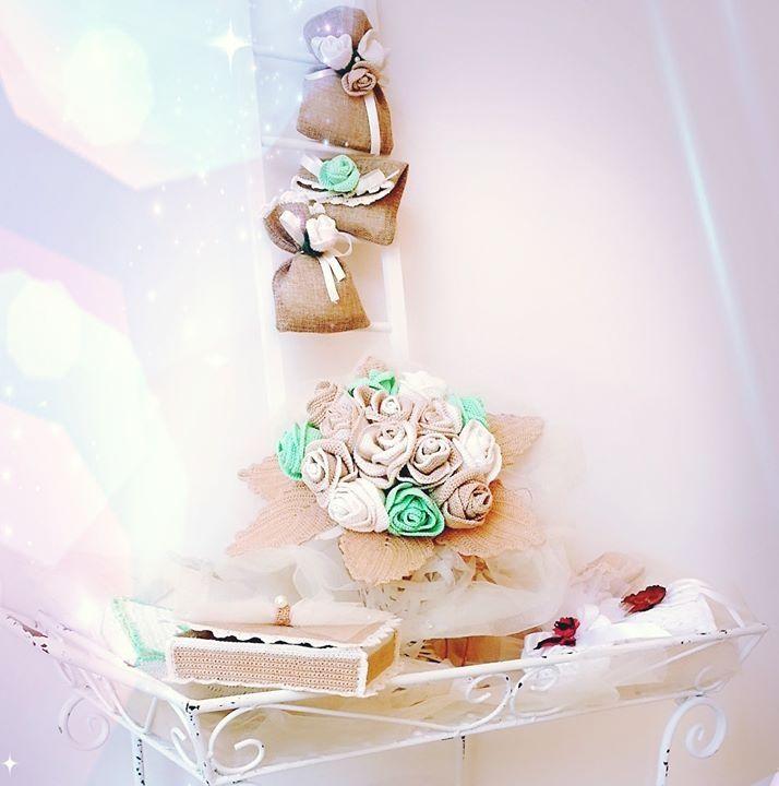 Bouquet bomboniere portafedi in coordinato. Raffinati ed eleganti