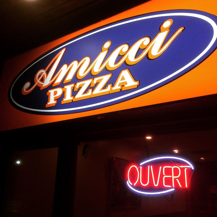 Amicci Pizza in Hull, QC