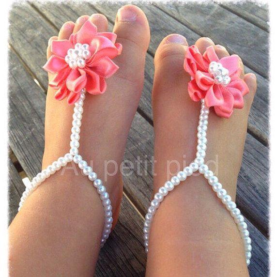 Sandalias pies descalzos del bebé, regalos de bebé, zapatos de bebé, regalo de bautismo, regalo del bebé niña, sandalias de bebé flor de coral, joyería de bebé, zapatos de bebé