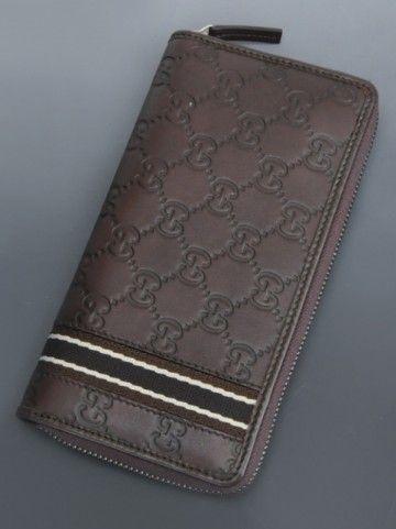 使い勝手が良さそうなハイブランドの革財布。グッチ